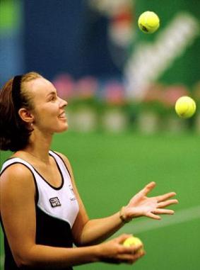 Martina Hingis Juggling