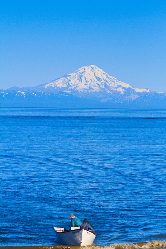 Mount-Redoubt-Iliamna-Cook-Inlet-view-Ninilchik-beach